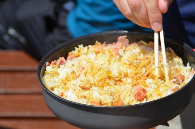 BBQにぴったりのチャーハン♪炒めるだけで美味しさが広がる簡単レシピをご紹介!