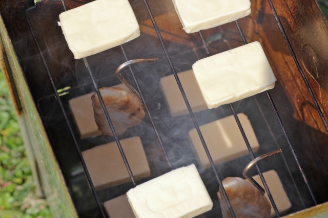 燻製界のニューフェイス。BBQでの燻製を極めたい方必見!『ピートスモークパウダー』について