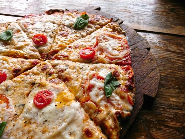 BBQにぴったりのピザ♪いろんなトッピングで美味しいレシピを紹介!